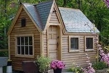 Small houses, tiny spaces, and space-saving ideas / by Andy Kennedy