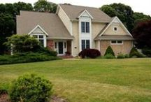 21 Piezzo Drive Westerly, RI / This spacious Colonial has everything you need in a home! Granite kitchen with stainless steel appliances and viking range, first floor master suite, family room with a brick fireplace, living rm, an office, a den and a finished basement!