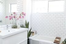 Dream Bathroom / White tiled walls, patterned flooring and a dreamy setup for a lush bath every night - this is the inspiration for my dream bathroom.