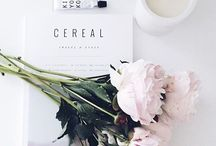 Flat lays / A collection of some of the most instagrammable flat lays there are, with perfectly posed props, beautiful backdrops and lots of natural lighting - perfect inspiration for recreating your own.