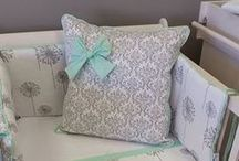 Grey Dandelion and Damask / This beautiful nursery linen set features our Grey Dandelion and Damask design, with accents of ice Mint.