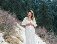 || WINTER WEDDINGS || / Winter wedding inspiration including winter color palettes, winter wedding florals, bridesmaid dresses, winter engagement outfits, and indoor wedding venues. Snowy, winter wedding inspiration.