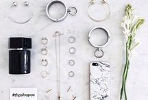 ""\ ACCESSORIES \ / """"Playing dress-up begins at age five and never truly ends."""" —Kate Spade""216|146|?|en|2|e696892354f104e0afb88c0ff67e102b|False|UNLIKELY|0.2836834788322449