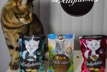 Pet Product Reviews / It can be tough to decide between all of the cat, dog, and other pet products on the shelves! Check out these great reviews from Playful Kitty and our pet blogging friends.  Cat Product Reviews on Playful Kitty - http://www.playfulkitty.net/category/reviews-giveaways/