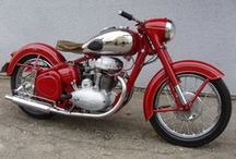 Mocik. / Motorkerékpárok.