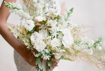 White Wedding Inspiration / White Wedding Floral Inspiration : A romantic, soft, and delicate color scheme used in wedding bouquets and floral decor for the modern and traditional bride using inspiring Unique, Organic, Earthy, Wild and Textural components made with real, raw, natural elements to capture the eye. White wedding floral inspiration in coloring, texture, and variety for the west coast and Utah brides for their weddings.