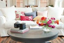 Cozy, Colorful Rooms / Cozy and colorful living room ideas for small houses.