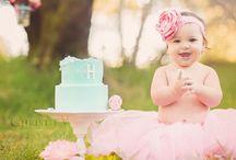 Portrait | Cake Smash / One year old cake smashing photography ideas.