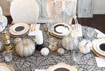 Halloween in Black & White / Black and white Halloween decor and ideas