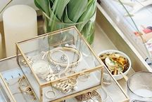 Displaying Jewelry & Perfume / Ways to display your jewelry, perfume, accessories, and all pretty things.