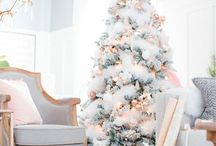 Bloggers Best Christmas Decor / Your Favorite Home Decor Bloggers share inspiration for fabulous Christmas decor ideas.