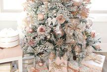 Pink Christmas / Pink blush Christmas decor Christmas tree pink blush ornaments #pinkchristmas #pinkchristmastree #blushtones #blushpink #blushchristmas