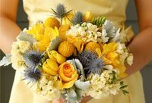 Flowers & wedding bouquets ideas / Here's some inspiration for the wedding flower arrangements & bride's and bridesmaids' bouquets