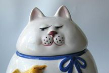 Sandy B--Cat Cookie Jars. / How cute are these? / by Sandra Belisle