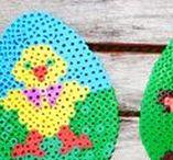 Bügelperlen - Hama Perlen / Mit Bügelperlen können schon kleine Kinder kreativ werden. Auf dieser Pinnwand findet ihr schöne Bügelperlen Vorlagen für Tiere, Prinzessinnen, Anlässen und mehr.