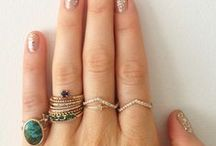 For my hands / A collection of nailart, nailpolish, rings, tattoos and handcare.