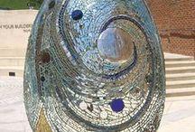 eggs / sculpture eggs and associated art