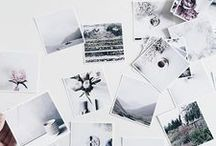 Polaroid prints / Geef je foto's een polaroid stijl met onze Polaprints! Ze zijn niet alleen leuk voor in een plakboek, maar ook voor aan de muur. Wij laten je graag inspireren door deze toffe ideeën.  https://www.webprint.nl/fotos/polaprints/