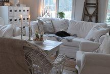 Living room / by Karine Rheault