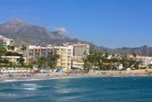 Nerja Beaches / Discover the many cosy coves and expansive beaches of Nerja
