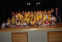 Presentació temporada 2013-14 / Al Teatre Goya vam poder veure com de gran se'ns ha fet l'Escola i com estem aconseguint formar una gran cadena, des dels babies fins els sèniors, unida pel bàsquet. Per tots llocs, pares i mares, xiquetes i xiquets, entrenadors i familiars s'han encarregat de fer que tot fora meravellós.  (Fotos: M. Jesús Albiñana)