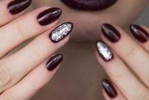 nails»