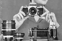 Мировоззрение пожелтевших фотографий / Черно-белое фото, Глянца старого блик, Задушевное фото, Ты из прошлого миг.