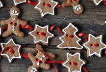 Decorating sweets / zdobení cukroví