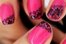 nails / by Gema Ponce