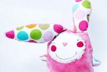 Handmade toys / Handmade toys - dolls and softies. Some are made by me. Ręcznie szyte zabawki - lalki i maskotki, część z nich zrobiona prze mnie.  More: milulaki.pl