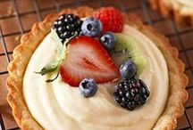 Pies, Pastries & Crumbles / by Jaclyn {Cooking Classy}