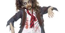 Halloween Zombie-asut / Zombie on eräänlainen elävä kuollut, hahmo joka on noussut haudasta ja se näkyy myös näiden asujen luonteessa. Zombieteema on hyvin suosittu naamiaisasuissa ja niinpä haluamme tarjota teille kattavan valikoiman zombietyylisiä naamiaisasuja.