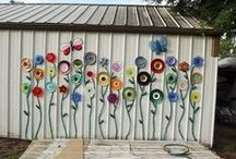 Crazy Yard Art / I totally love yard art and crafting.