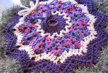 Christmas Crochet / Great patterns and ideas for Christmas crochet projects and gift ideas