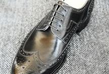 Férfi cipők / Bespoke shoes are worn by men from all over the world, who relate with a special sensitivity to the delicacy of life, the quality and the richness of elegancy.Shoes like these are made by hand, and they are unique arts and craft creations.