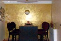Oberflächentrends, Oberflächenimitation und Wandgestaltung mit Gold, Fell und Materlialien / Individuelle und hochwertige Oberflächengestaltungen runden das Leistungsspektrum der Farbcompany ab. Wir realisieren auch unkonventionelle für unsere Kunden in jedem Wohnbereich von der Küche bis zum Badezimmer.
