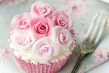 Pretty Flower Cupcakes / Decorative fondant cupcakes, high tea dessert & decoraive flower sugar icing
