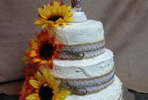 cake decorating / by Lynd Harper