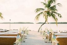 WEDDING  | Tropical / Sunny and fun ideas for your tropical wedding (including a giant inflatable flamingo!)