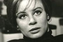 Sarah Miles n°48
