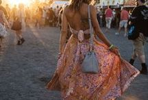Festival Styles / Maxikleider, Fransenlooks, Hotpants, Bikerboots- Festivaloutfits eben