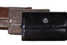 Bolsos y monederos / Diseños propios, realizados en piel y fabricados en España.
