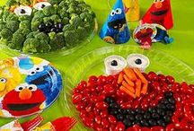 Elmo's Birthday Bash / Plan an Elmo-themed birthday party with these fun tips and decoration ideas! Don't forget to create a customized card for Elmo on the Earth's Best Facebook page! #ElmosBirthdayBash