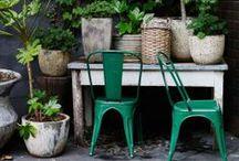 STIL INSPIRATION | Pella Hedeby / Sätt färg på sommaren! Färgsättning utomhus - min inspiration. Måla en möbel, ett staket, en dörr eller en detalj. Hitta inspirationen i naturen och lek med nyanser ton-i ton. Blanda upp glada färger med en neutral bas för en fin balans. Vilken är din sommarfärg?