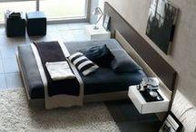 Nowoczesna sypialnia / W nowoczesnej sypialni poczuje się dobrze zarówno ona jak i on. Jest bezpretensjonalna, przestrzenna, minimalistyczna. Bazuje na dobrych jakościowo materiałach i perfekcyjnym wykonaniu. Każdemu z nielicznych przedmiotów pozwala się dobrze wyeksponować.