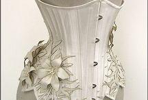 Amazing Corsets / Het corset en bustier door de jaren heen