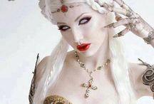 Fantasy fashion / Fantasie kostuums, jurken en meer