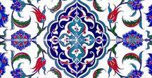 Kütahya çinisi cami çinileri desenler Mosque masjid ceramic tile decorations interior / Kütahya ve İznik çinileri. Çini desenli seramik ve mozaik karolar. Cami, mescit, kubbe, otel banyo türk hamamı için çini dekorasyon, Otel, spa türk hamamı, havuz seramikleri yer ve duvar çini seramik fayans dekorasyonu. osmanlı çini desen ve motifleri, mihrap minber ve kürsü işleri. iç cephe ve dış cephe kaplama işleri. Hediyelik çini seramik, porselen eşyalar. mosque decorations masjid interior exterior dome gift material interior, oriental, ceramic, mosaic, tiles.
