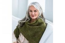 Shawls, lovely shawls! / Shawls are simply lovely! Easy to wear and perfect with any kind of outfit. Find inspiration for your next shawl project.