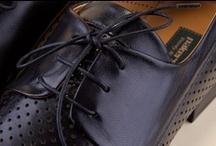 Man's Lace-up Shoes 35061 Pakerson - Scarpa Uomo Allacciata 35061 / The Pakerson lace-up shoe reinterprets an evergreen design handed down by generations of master shoemakers. Try the excellence of Italian handmade luxury shoes. - La scarpa allacciata Pakerson reinterpreta un design intramontabile, tramandato da generazioni di maestri artigiani. Provate l'eccellenza delle scarpe di lusso Italiane.